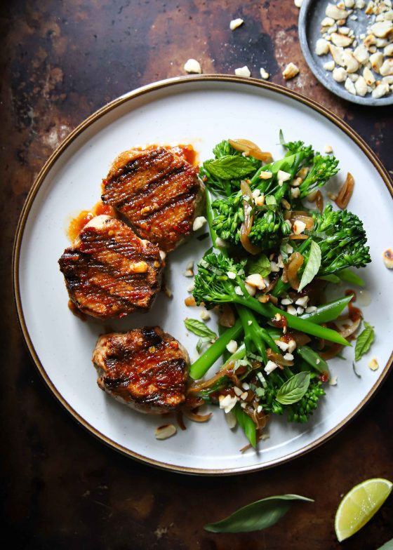 Juicy sambal pork medallions, basted with sambal oelek and served with an Asian style long stem broccoli side…This Indonesian sambal recipe is easy, healthy and so so good!
